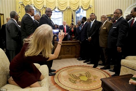 Kellyanne Conway explains the Oval Office couch photo