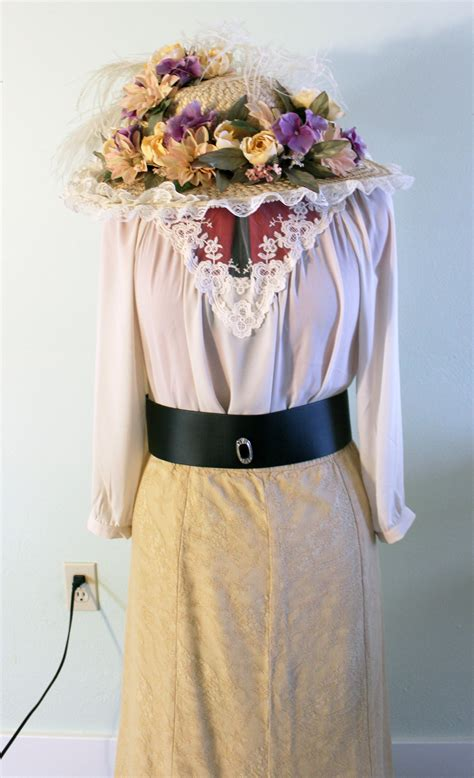 Make an Easy Victorian Costume Dress with a Skirt and Blouse