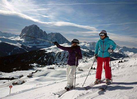 DOLOMITES Val Gardena: Great skiing, food and wine in Val